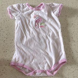 🚨4/$15🚨 12 Month Pink Giraffe Onesie